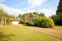 3 bedroom Detached house in Basingbourne Road, Fleet...
