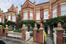 6 bed home in Hillersdon Avenue...