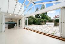 7 bed home for sale in Beverley Close, London...