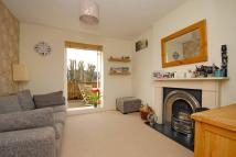 3 bedroom Flat to rent in Rocks Lane, London, SW13