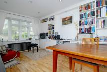 2 bedroom Ground Flat to rent in Boileau Road, London...