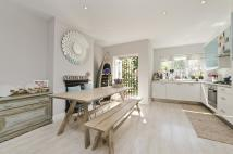 3 bed property in Rosslyn Avenue, London...
