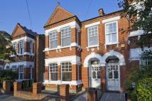 5 bedroom house in Rectory Road, London...