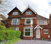 5 bed semi detached house in Bunbury Road, Northfield...