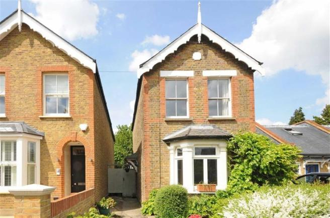 3 bedroom detached house for sale in richmond park road kingston upon thames kt2