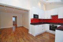 4 bed Terraced house to rent in Walton Avenue, New Malden