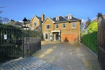 5 bedroom Detached house in Hendon Wood Lane...