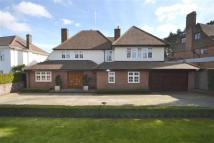 5 bedroom Detached property for sale in Oakleigh Avenue...