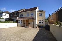4 bed semi detached home in Hendon Wood Lane...