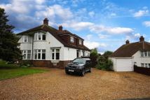 3 bed semi detached home in Derwent Avenue, Barnet...