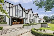 6 bedroom Detached home in Fortune Lane, Elstree...
