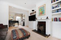 3 bedroom house in Wiseton Road, London...