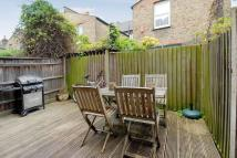 Flat to rent in Yukon Road, London, SW12
