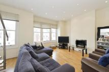 Flat to rent in Hazelbourne Road, London...