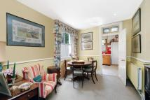 4 bedroom house for sale in Chestnut Grove, London...