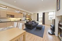 2 bedroom Ground Flat to rent in Hazelbourne Road, London...