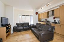 3 bedroom Flat in Boundaries Road, London...