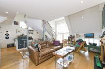 2 bed property to rent in Radbourne Road, London...