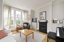 2 bed Ground Flat to rent in Lynn Road, London, SW12