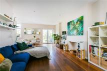 2 bedroom Flat for sale in Telford Avenue, London...