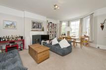 2 bedroom Flat to rent in Nightingale Lane, London...