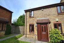 2 bedroom End of Terrace property in Parkhurst Grove, Horley...