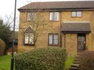 2 bed Flat to rent in Park View Road, Redhill...