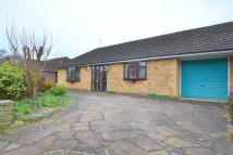 Bungalow to rent in Wolverton Gardens...
