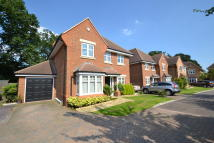 5 bedroom Detached house in Hamilton Close, Horley...
