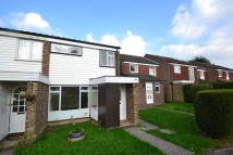 3 bed Terraced house to rent in Kingsley Road, Horley...