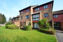 Ground Flat in Oakside Court, Horley...