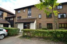 Flat to rent in Whitecroft, Horley, RH6