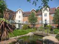 2 bedroom Apartment to rent in Lumley Road, Horley, RH6