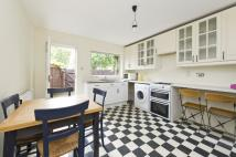 2 bed Terraced property in Verity Close, London, W11