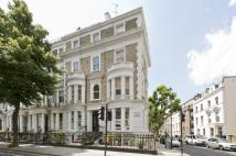 Studio apartment for sale in Ladbroke Grove, London...