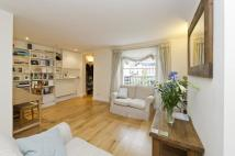 1 bedroom Flat in Cornwall Crescent...