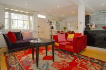 2 bed property in Golborne Mews, London...