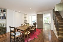 Maisonette to rent in Westbourne Park Road...