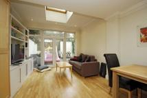 Ground Flat to rent in Ladbroke Grove, London...