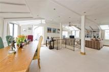 4 bed Flat for sale in Bramley Arms...