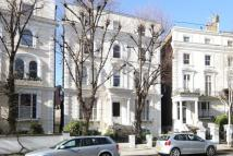 2 bedroom Flat for sale in Pembridge Crescent...