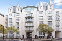 1 bed Flat for sale in Kensington Gardens...