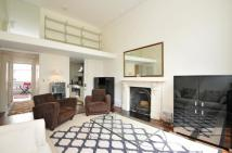Arundel Gardens Flat for sale