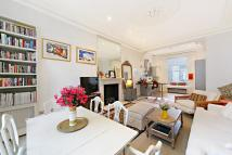 Ground Flat to rent in Linden Gardens, London...