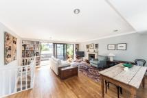 3 bed Maisonette for sale in St Stephens Gardens...