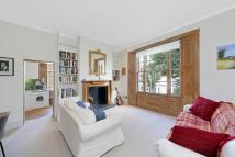 Flat to rent in Pembridge Villas, London...