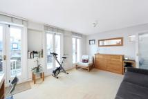 Studio flat in Palace Court, London, W2