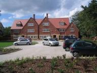 2 bedroom Flat to rent in Meols Court...