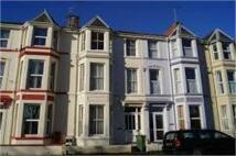 Flat to rent in Embankment Road...
