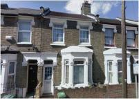 3 bed Terraced house in Torrens Road, Stratford